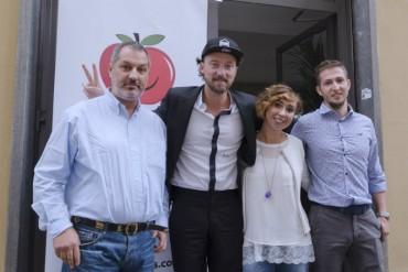 AppleKiss