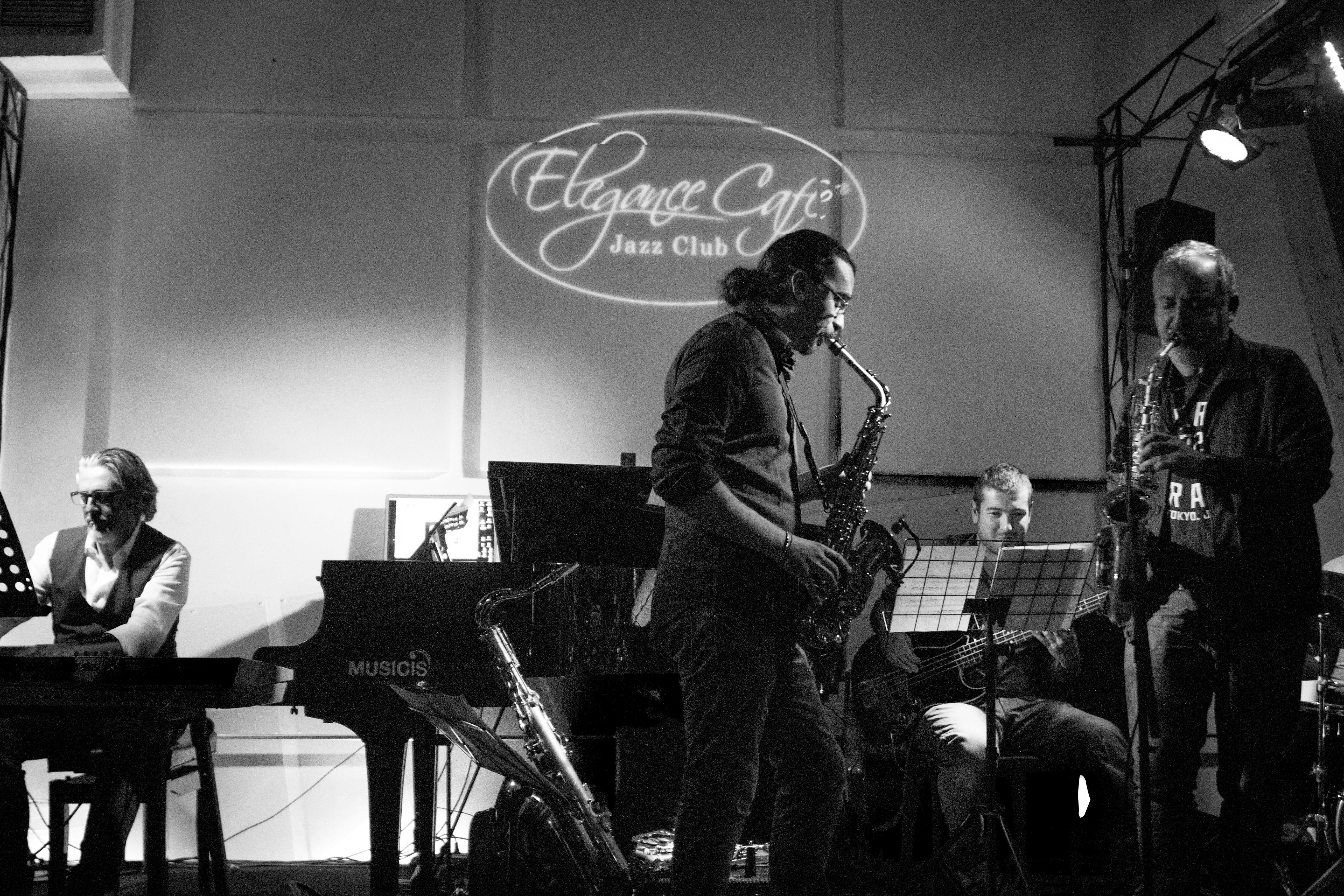 Doppietta live di Smooth Jazz all'Elegance Cafè di Roma, con Gianni Vancini e Renato Falaschi